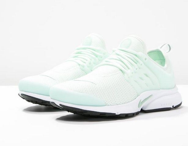 399fb1aaf458 Nike Sportswear AIR PRESTO Baskets basses barely green enamel green  black white