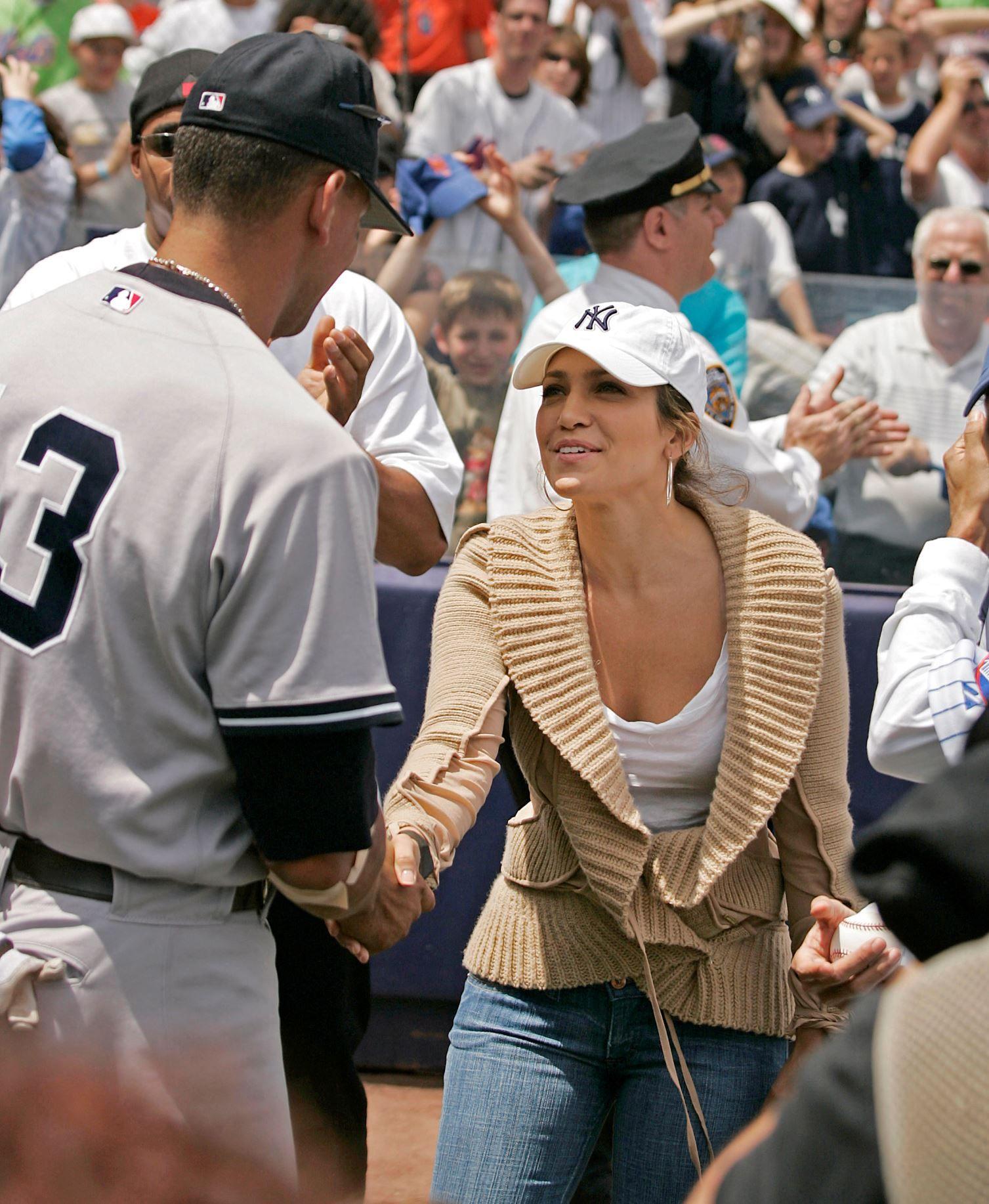 Jennifer Lopez New York Yankees Fan Jennifer Lopez J Lo Fashion Alex Rodriguez