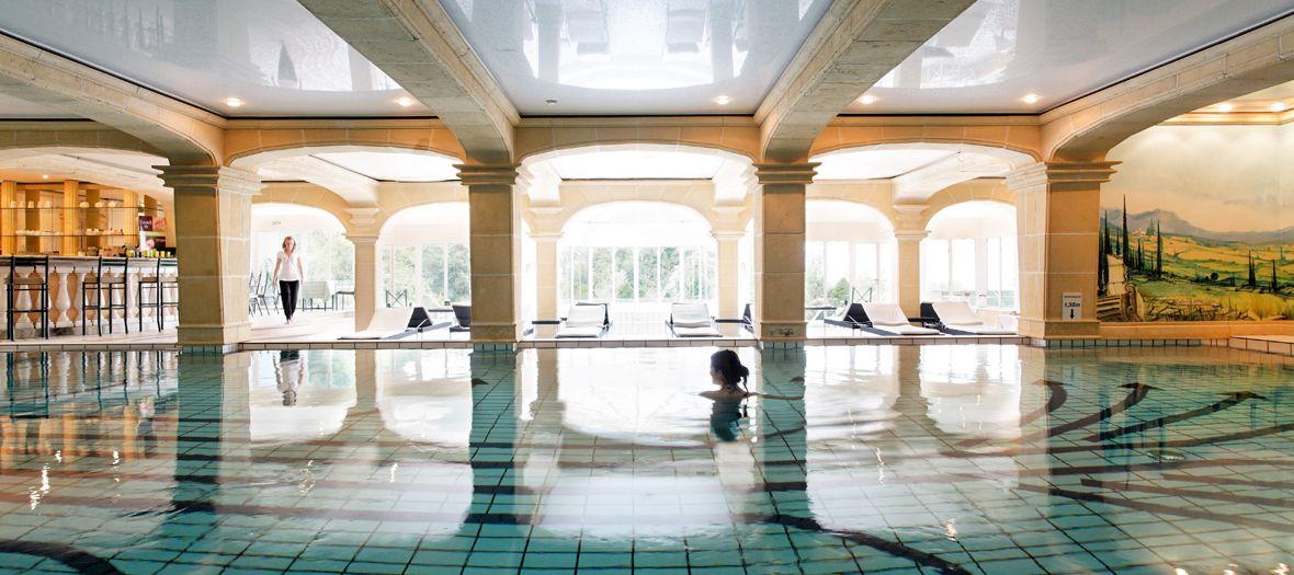 Un pied-à-terre idyllique avec piscine et spa en Normandie