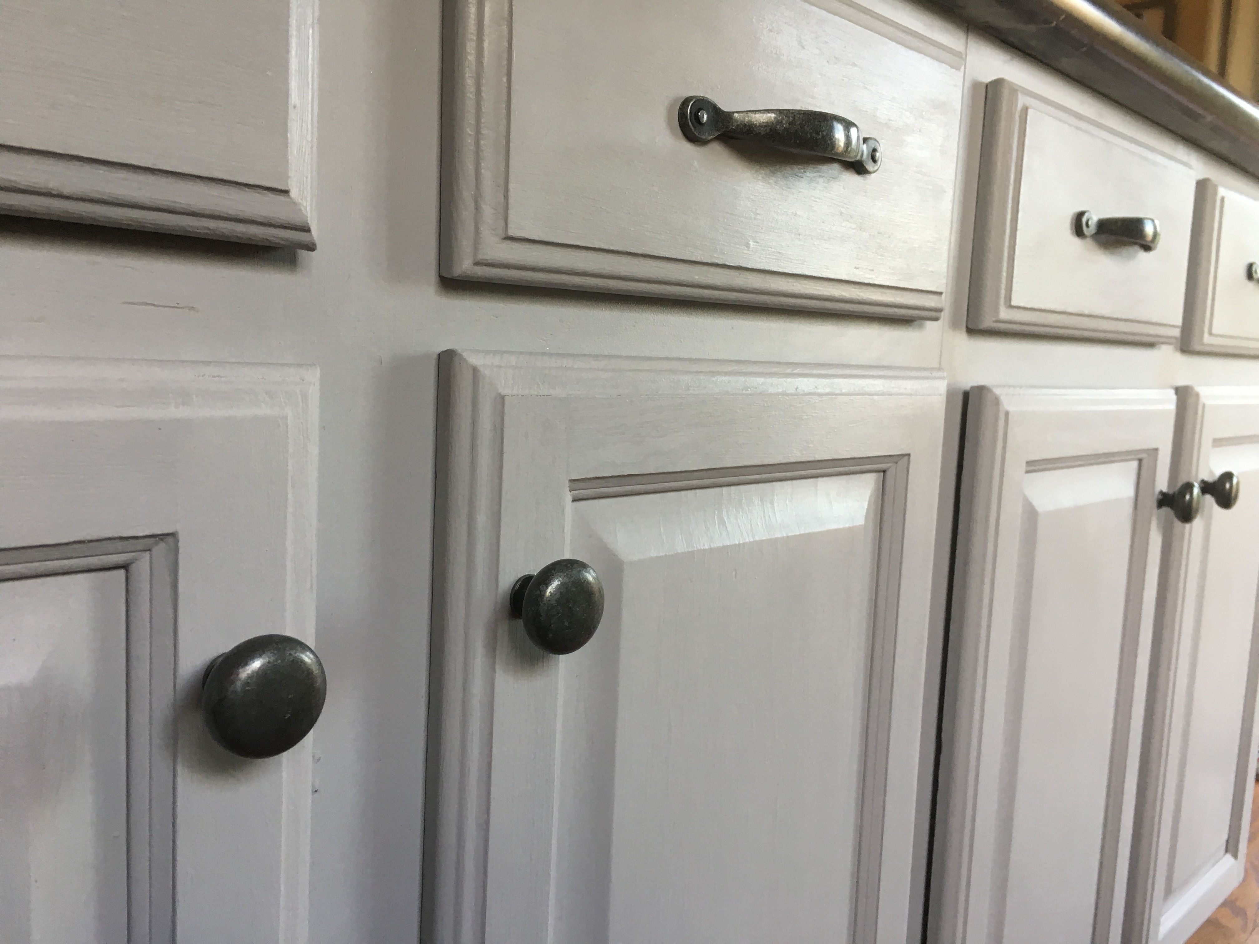 Annie Sloan S Chicago Grey Annie Sloan Chalk Paint Kitchen Cabinets Chalk Painted Kitchen Cabinets Colors Kitchen Cupboards Paint