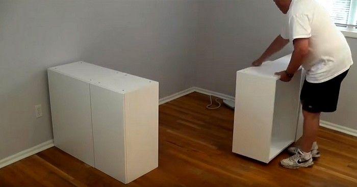 Ce papa installe des armoires de cuisine dans la chambre for Armoire chambre parents