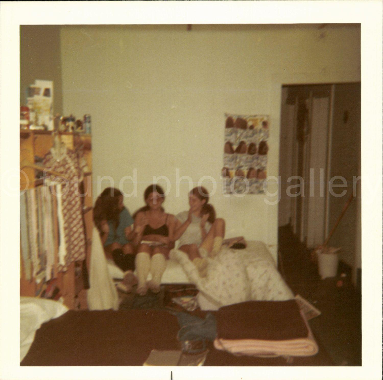 Vintage Photo, Pajama Party, College Dormitory, Bedroom