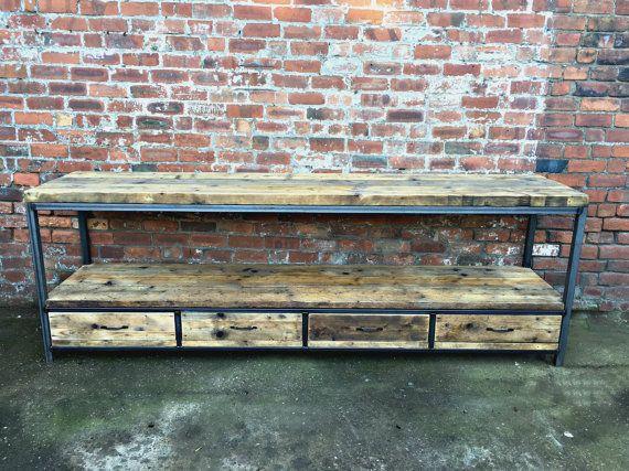 Beau buffet fait à la main, fabriqué à partir de bois récupéré et - Hauteur Table Salle A Manger