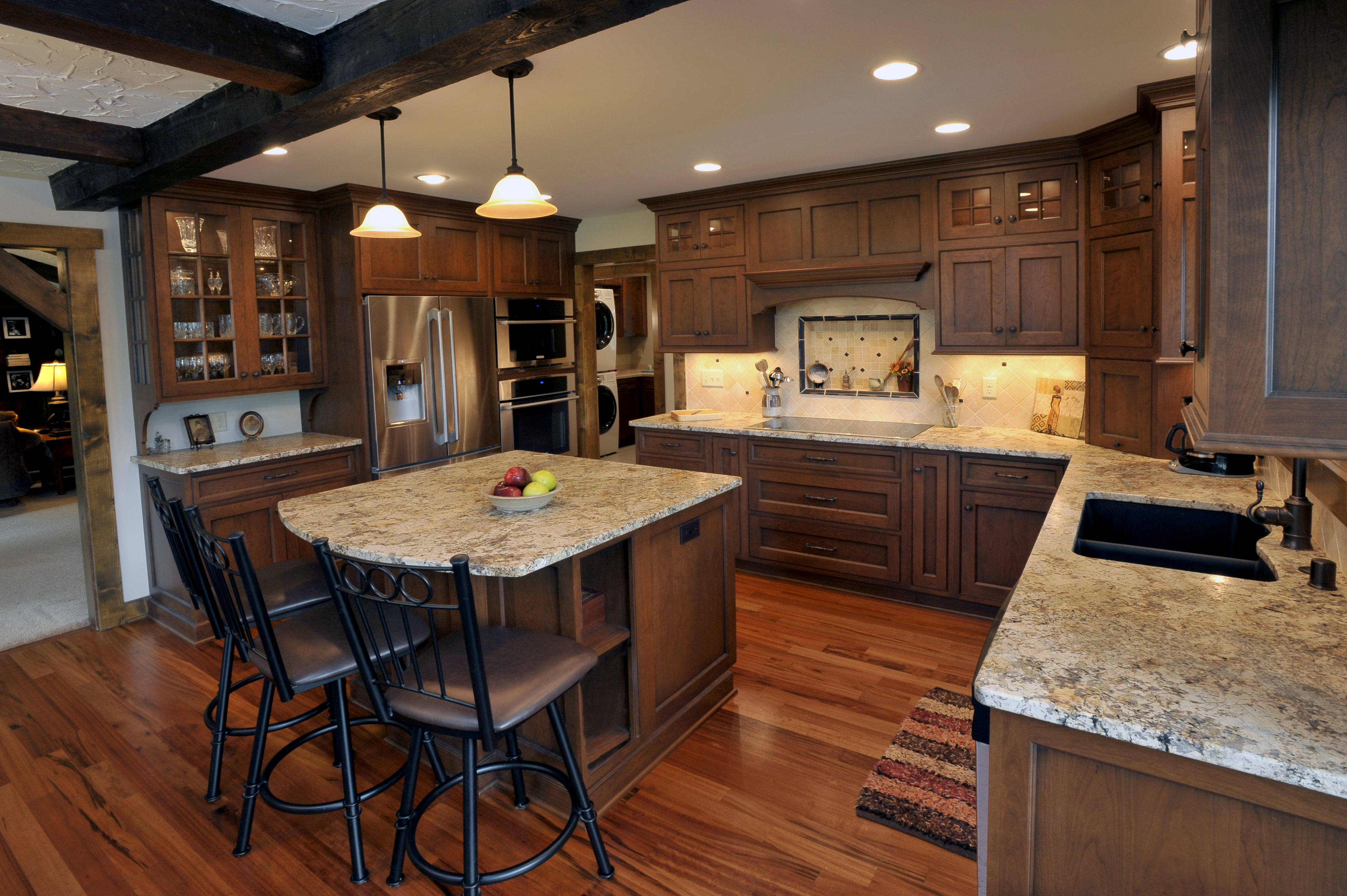 Winner Of Wisconsin Remodeler S Award S J Janis Company Cherry Cabinets Kitchen Kitchen Design Kitchen Remodel