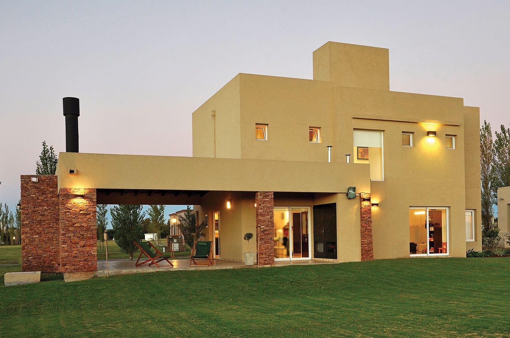 Seratti y saviotti arquitectos fachadas house home for Casa home goods