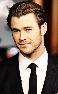 CA Girl Chris Hemsworth