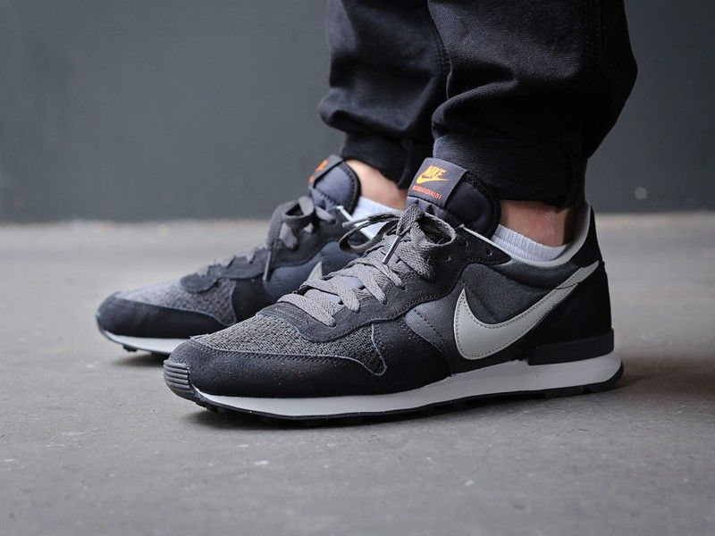 uk availability 7ee86 cf246 nike-internationalist-anthracite-granite-black