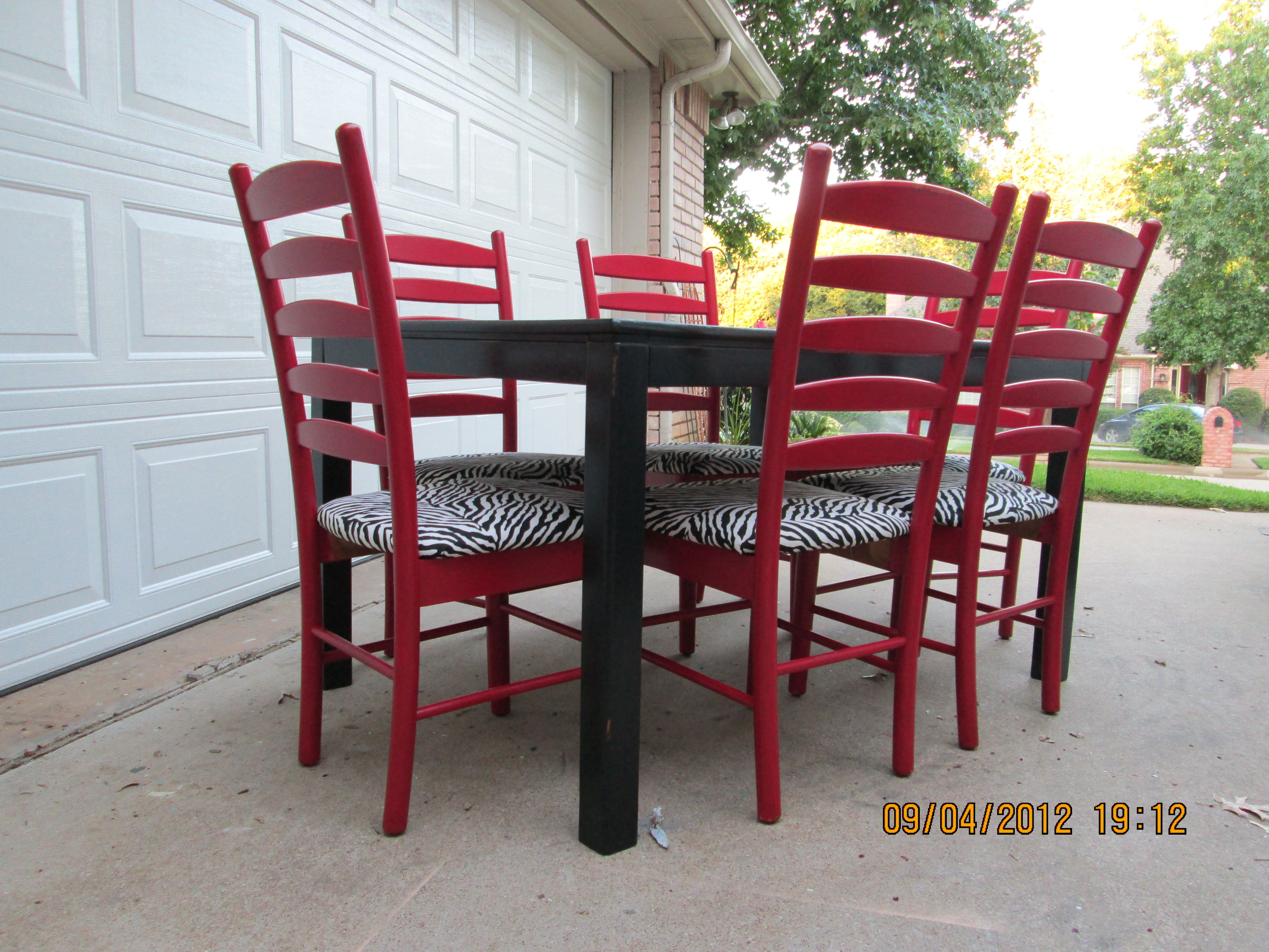 Fine Dining Room Tables And Chairs: Black Dining Table With Red Ladder Back Chairs, Lightly