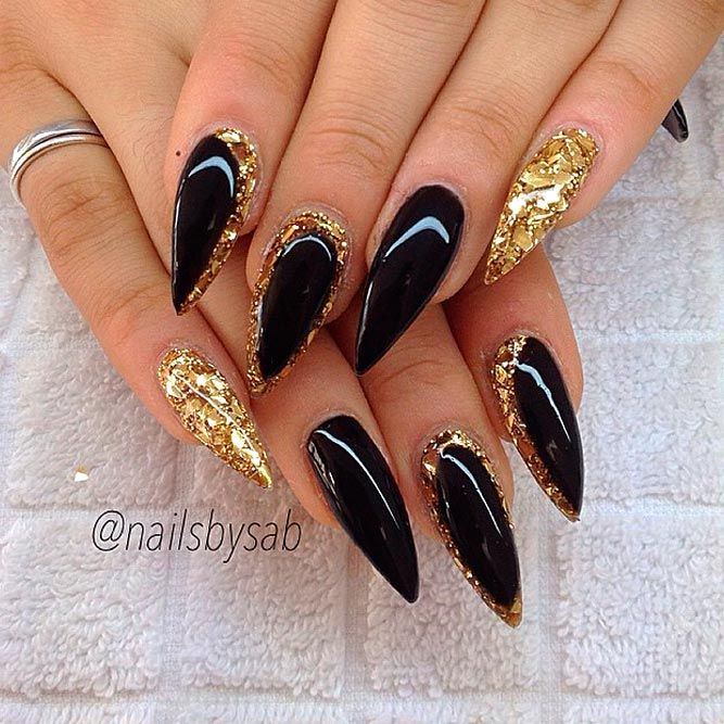Luxurious Black And Gold Nails Naildesignsjournal Com Black Gold Nails Stiletto Nails Designs Black Stiletto Nails