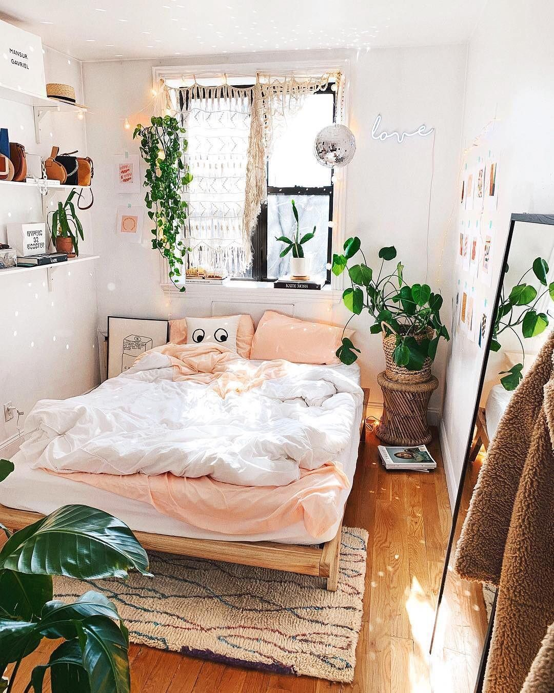 "Urban Outfitters on Instagram: ""🌞👌 #UOHome @viktoria ..."