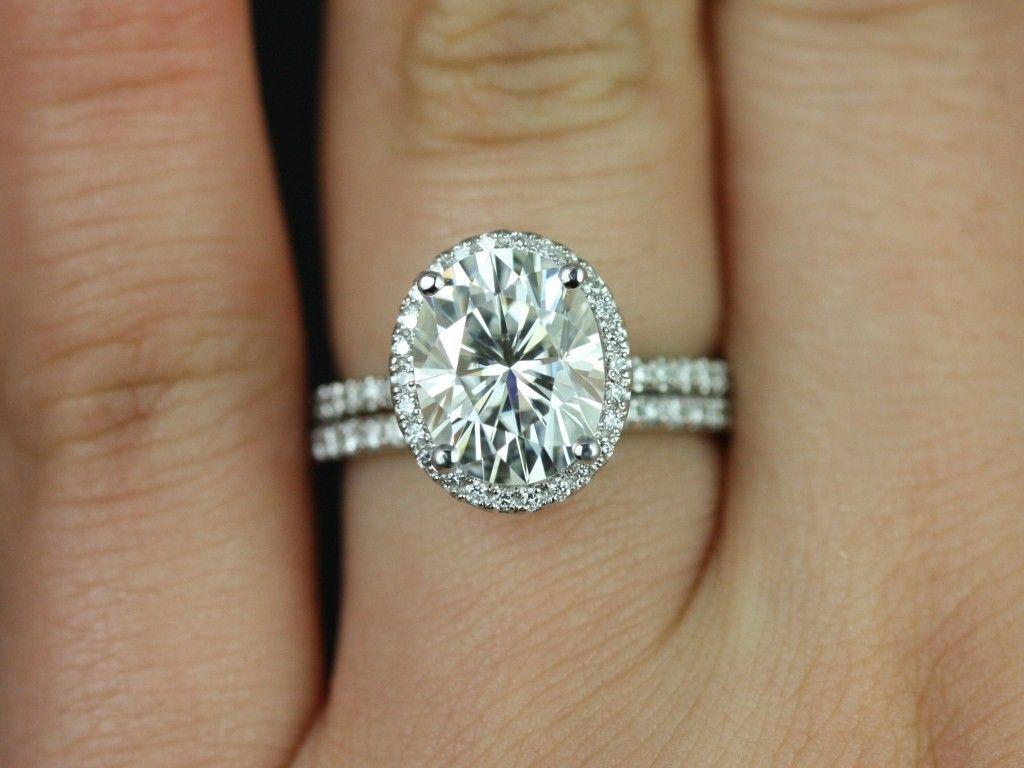 Rosados Box Federella 10x8mm White Gold Oval FB Moissanite And Diamond Halo Wedding Set