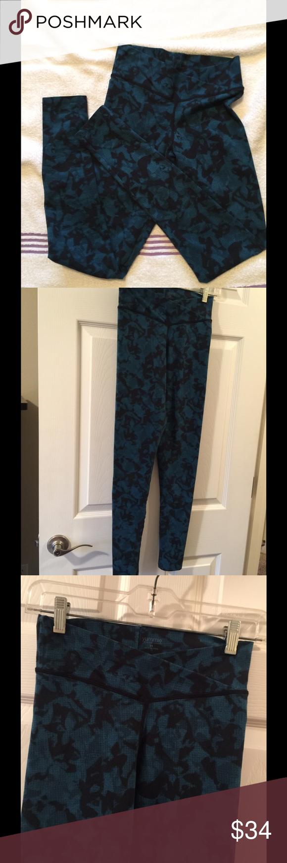 Yummie Leggings XS blue/black Excellent yoga tights  Hannah leggings XS $78 Yummie by Heather Thomson Pants Leggings