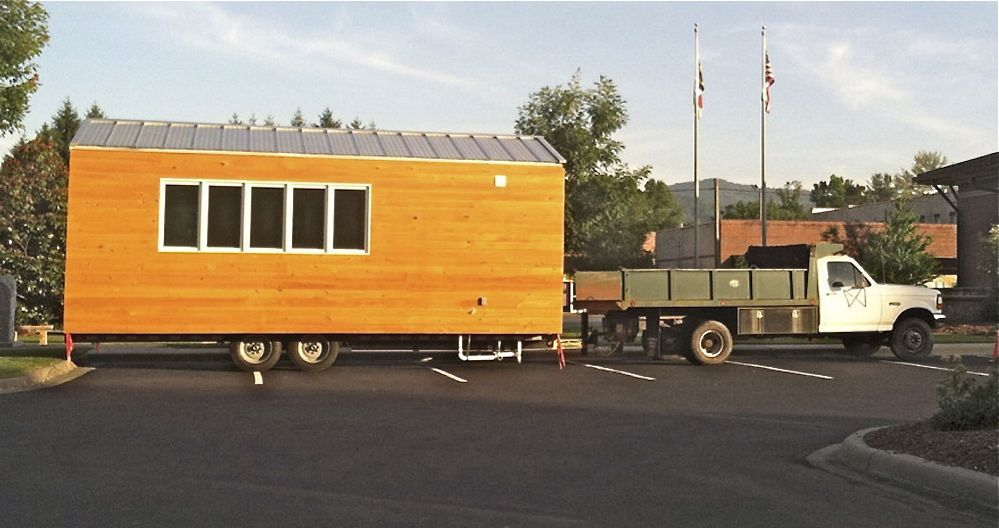 Couple S Quest To Settle Down In Mini Home Encounters Unexpected Roadblock Mini House Tiny House House