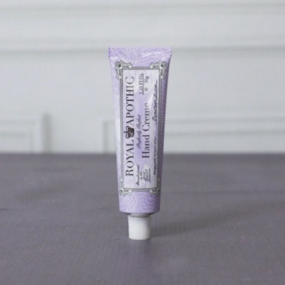 Royal Apothic Venetian Grove Moisturizing Cream NEW 1.25 fl oz. Venetian Grove scent. I received this as part of a beauty package and have no use for it. Royal Apothic Makeup