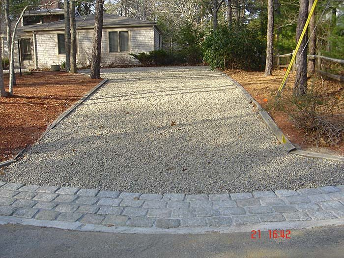 Gravel driveway with paver edging google search home for Driveway apron ideas