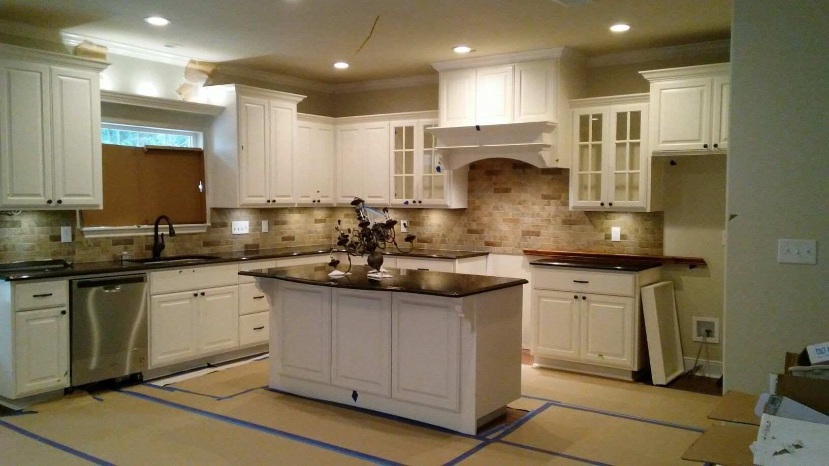 Sw Dover White Cabinets New Ubatuba Gold Fleck Granite Marizzi Paver Backsplash Hickory Floori White Cabinets With Granite Kitchen Remodel Country Kitchen