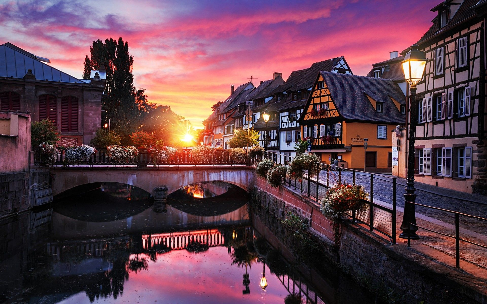 General 1920x1200 Landscape Nature Sunrise City Canal Bridge House  Reflection Trees France Lantern Street Cobblestone Water