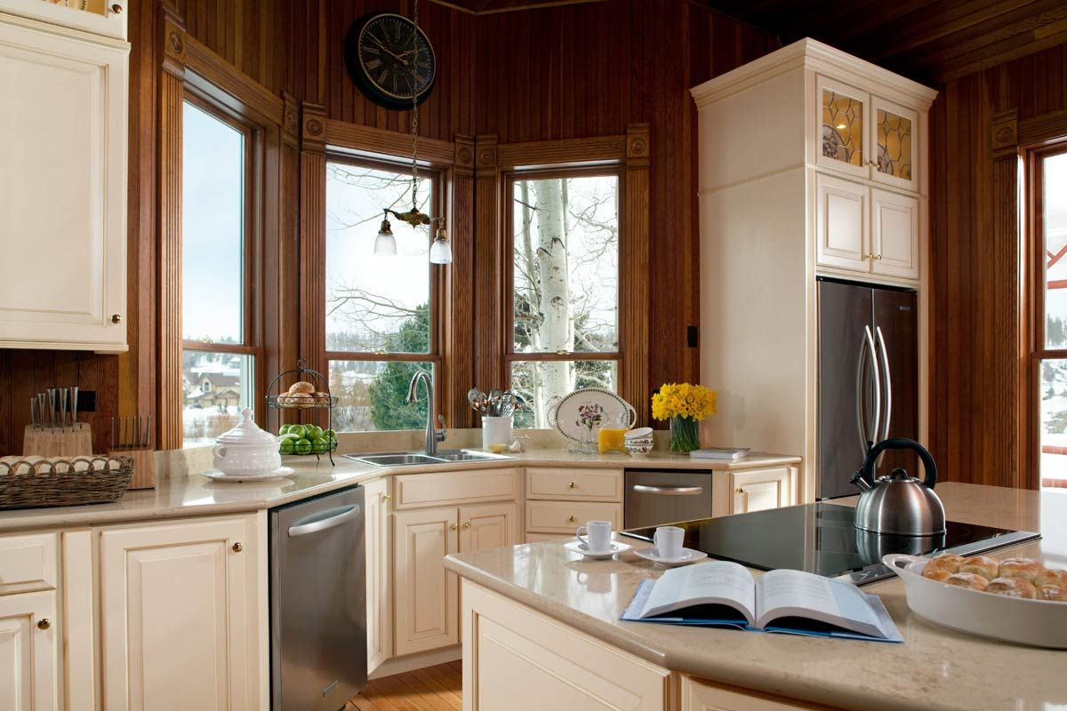 Best Waypoint Style 610D In Maple Butterscotch Glaze Kitchen 400 x 300