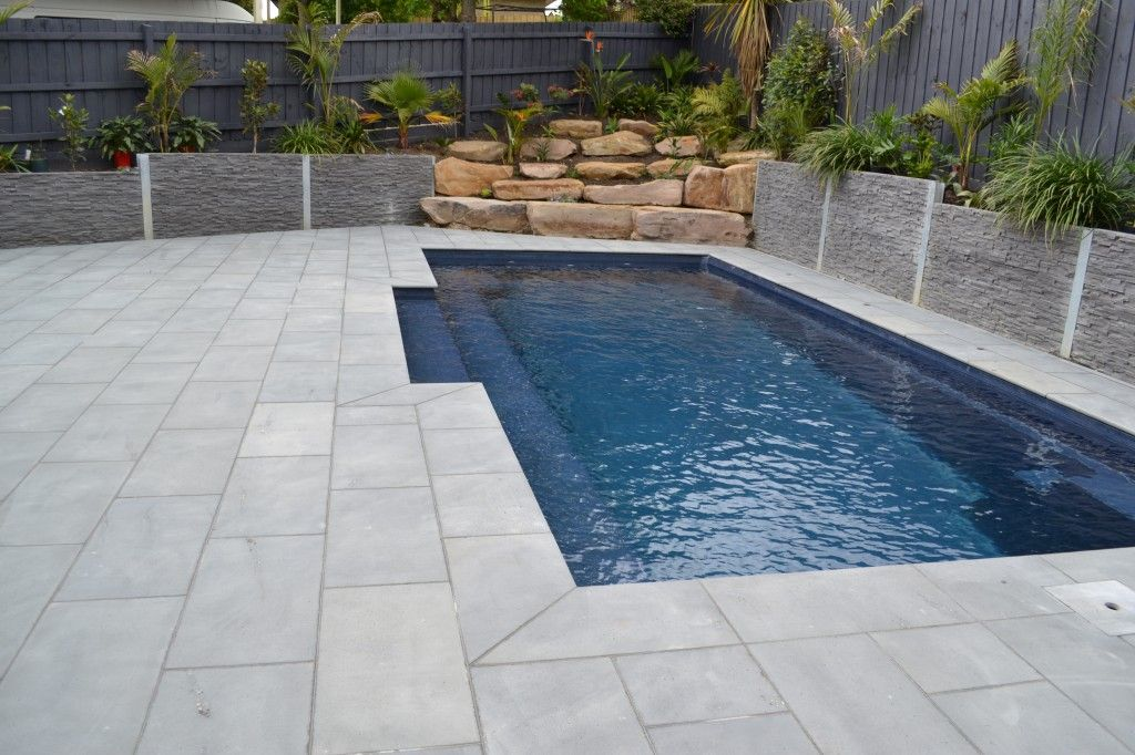 Pool deck limestone google search pool - Albardilla piscina ...