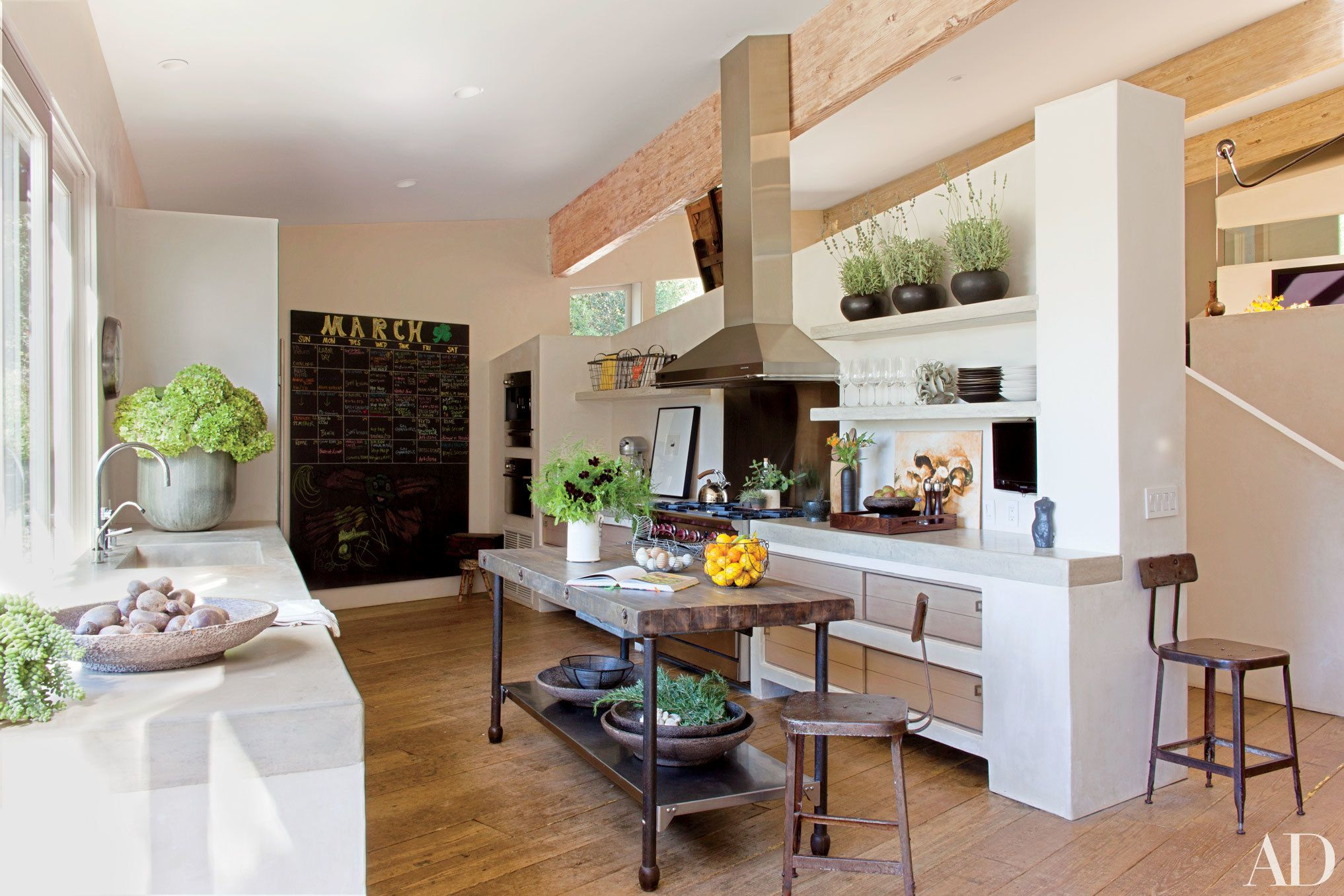 29 celebrity kitchens with incredible style celebrity kitchens