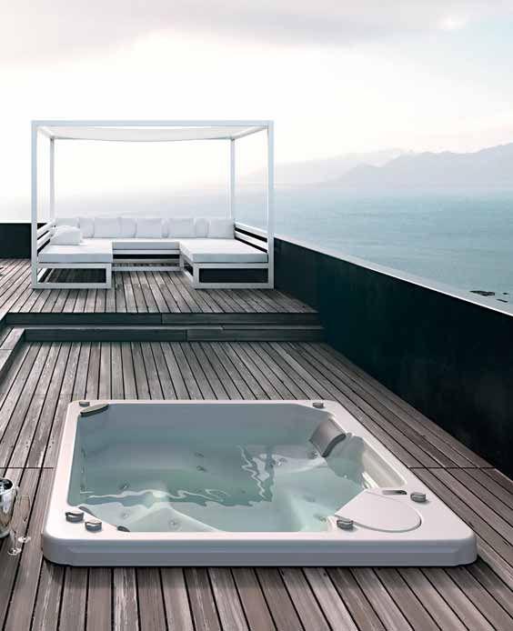 #lames de #terrasse pour jacuzzi extérieur : une vue exceptionnelle !  http://www.espace-careo.com/amenagement-exterieur/lame-de-terrasse/