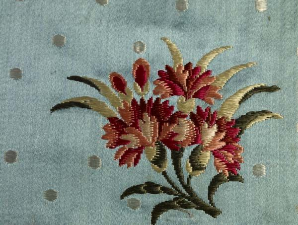 This length of sky-blue #Spitalfields silk satin is brocaded with honeysuckle and carnations or gilliflowers. The silk was designed and woven by the company Batchelor, Ham & Perigal circa 1758-1762. @⸬  e m e r e y ⸬ barbara moffett of London