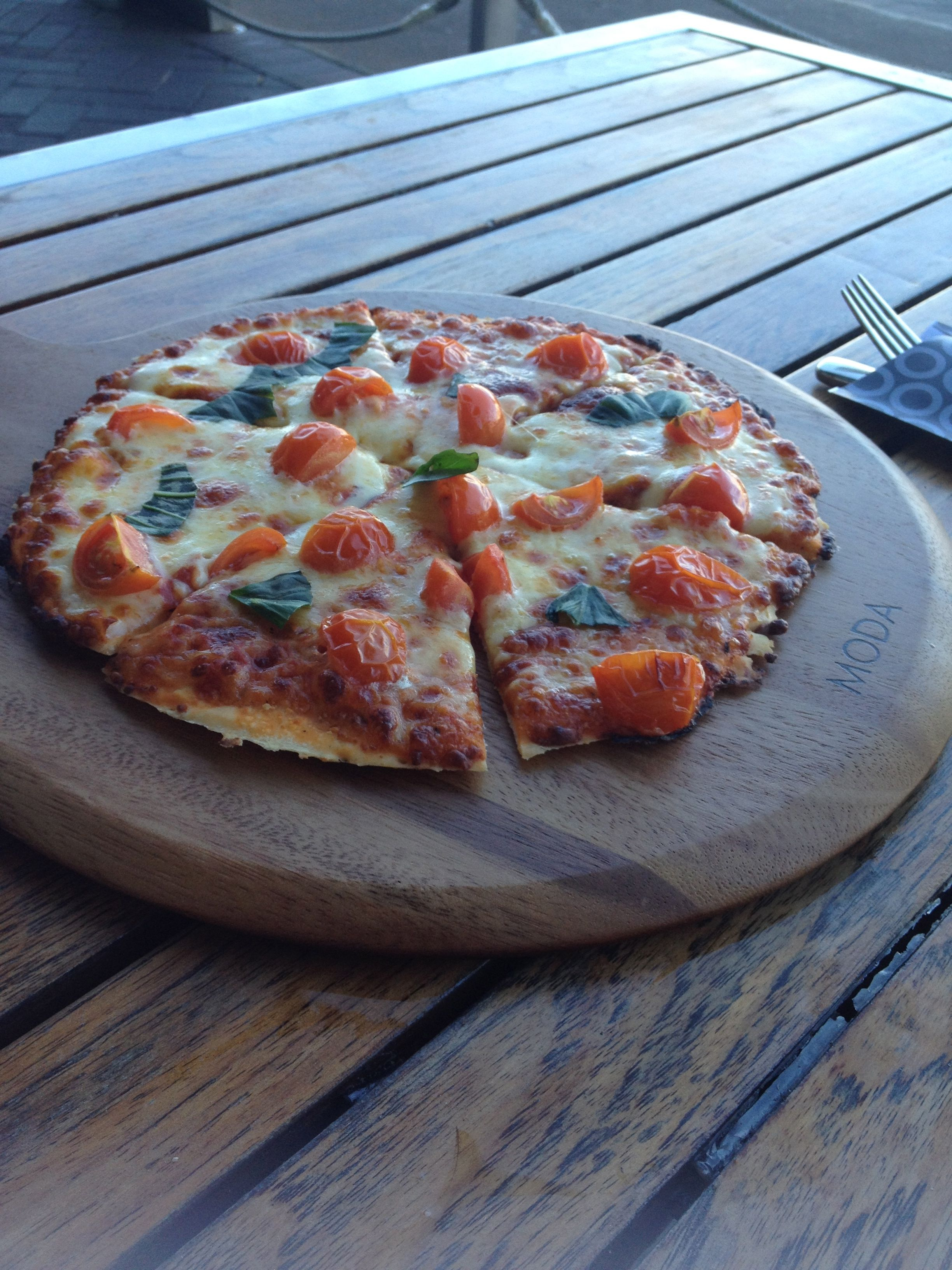 pizza at the cruse bar in Sydney