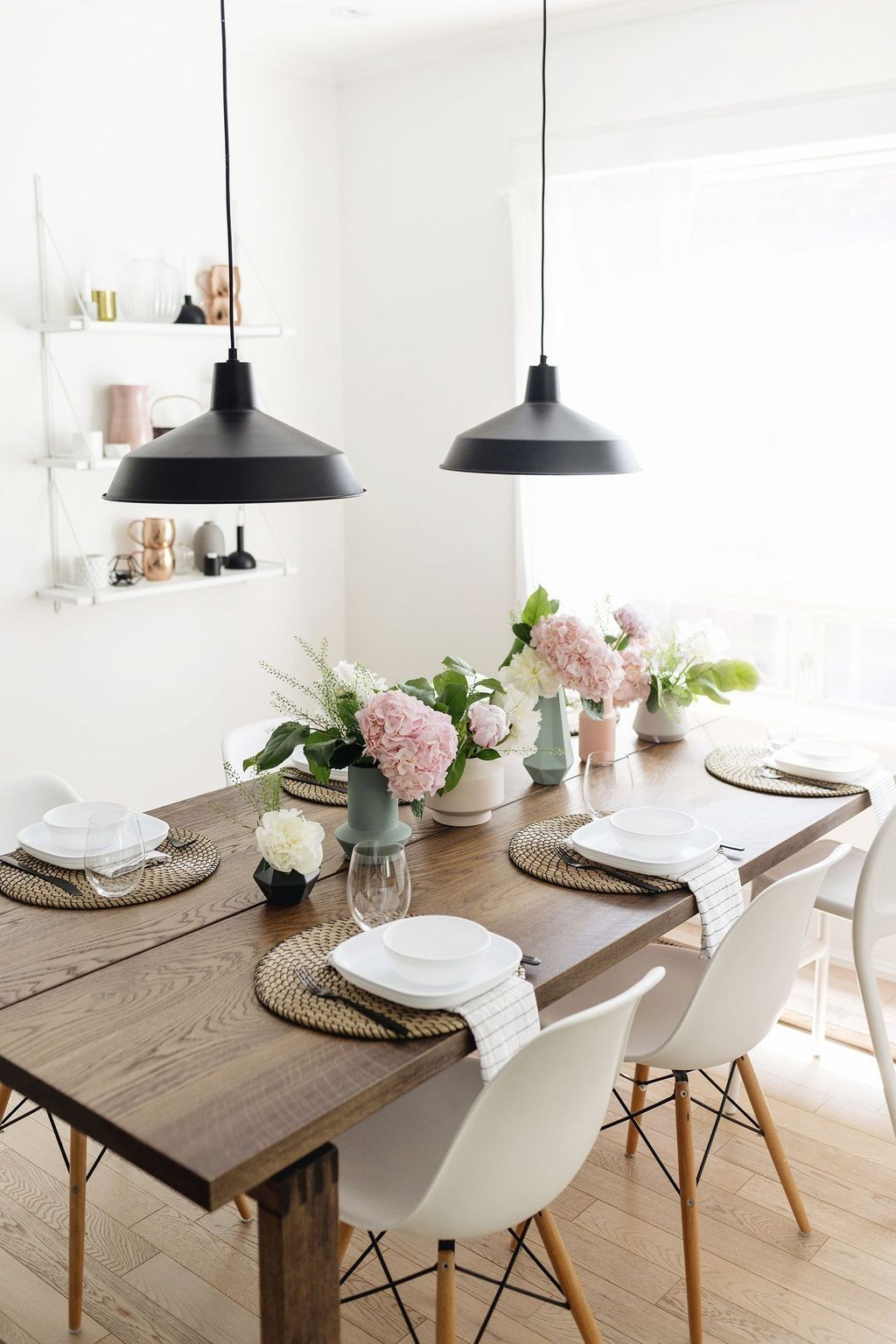 45 Outstanding Spring Table Setting Ideas For Table Decoration In 2020 Scandinavian Table Dining Room Table Decor Kitchen Table Decor
