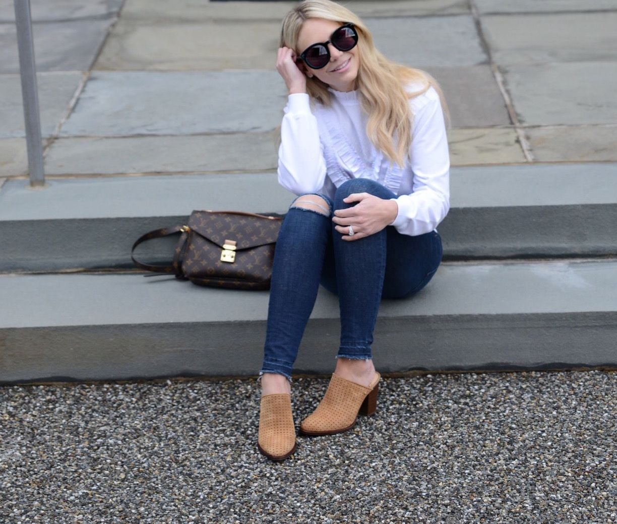 Loving this look. Tan suede perforated mules with skinny denim and the cutest ruffle sweater.