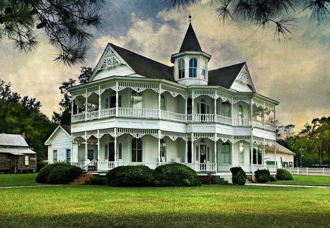 Peachy John Blue House Laurinburg North Carolina Victorians Home Interior And Landscaping Transignezvosmurscom