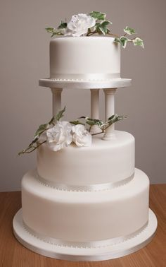 Pillar Wedding Cakes Wedding Cake With Pillars Simple Wedding