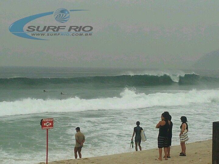 Previsão de ondas grandes a partir de amanhã na parte da tarde, acompanhe tudo pelo nosso site www.surfrio.com.br