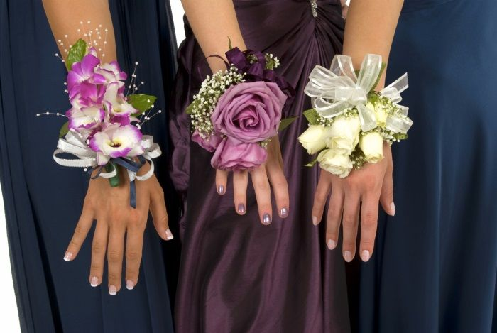 How To Make Wrist Corsages Step By Step Ehow Uk Corsage Prom Wrist Corsage Prom Homecoming Corsage