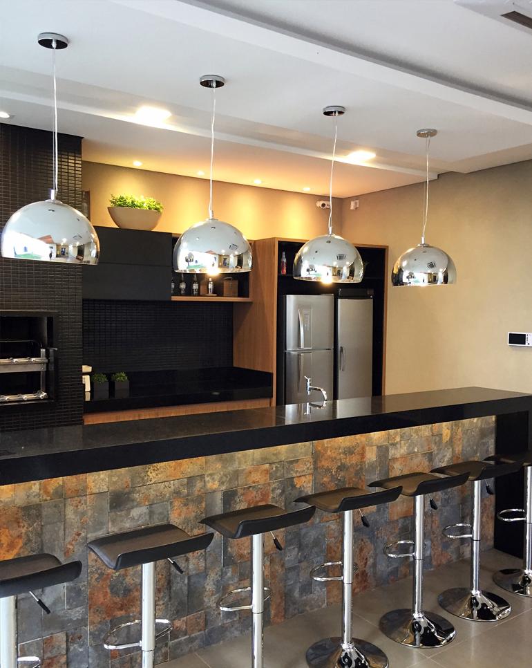 Artesanal Lembrancinhas ~ Área de churrasco moderna decorada na cor preta linda