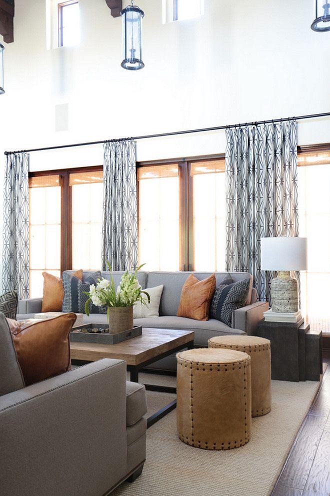 Combinación de colores de muebles, cojines, mesita y cortinas ...