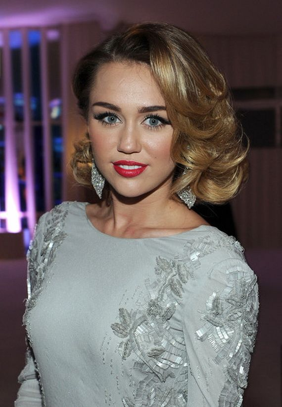 Miley Cyrus Hairstyles 2012 Cheveux hollywood, Idées de