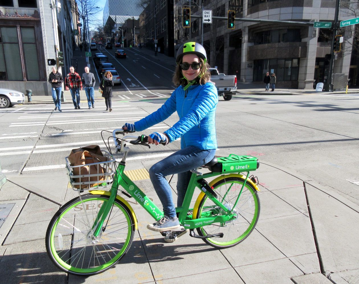 I Rode An Electric Limebike Around Downtown Seattle And Up A