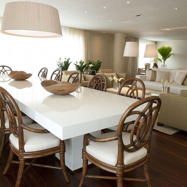 Boa quarta!!!! ❤️❤️❤️ #decor #home #decorandocomandreaesteves #arquitetura #jantar #living #mesa #laca #pendente #cool #leve #clean