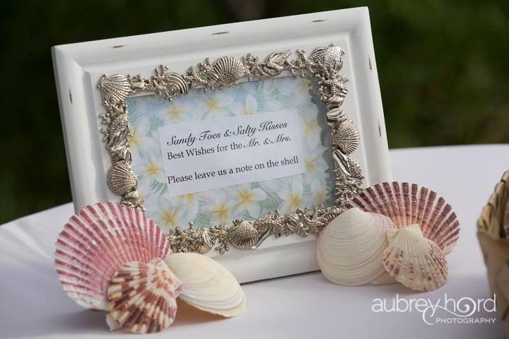 A Sugar Beach Events Wedding in Maui from Taylor'd Events Group   Photographer: Aubrey Hord Photography #lovenotes #beachwedding