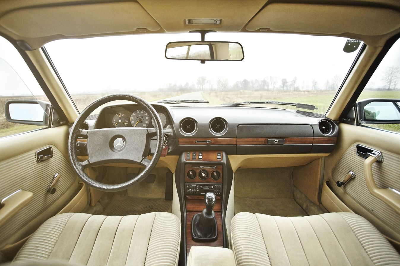 Mercedes Benz W123 Coupe Interior With Images Mercedes Benz