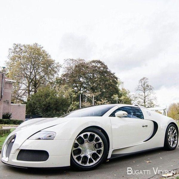2016 Geneva Motor Show Bugatti Chiron First Look: The Bugatti VeyronTop Speed 254 Mph #bugatti