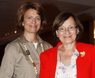 """Isabel Alçada (1950-) e Ana Maria Magalhães (1946-) began writing together books for children in 1982. Given the success they still continue publishing new books in their collection """"Uma Aventura"""". The books reflect the long and rich educational experience and are echo of a particularly happy childhood and youth and translate their enormous talent for communicating with the younger ones."""