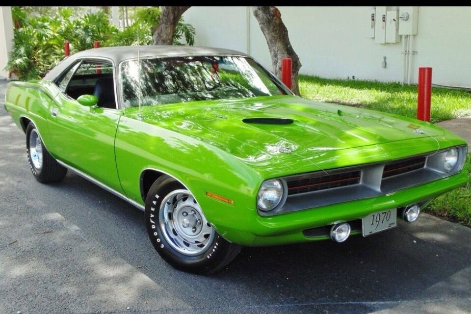 1970 Plymouth Cuda In Lime Light Green Dodge Muscle Cars Plymouth Cars Plymouth Cuda