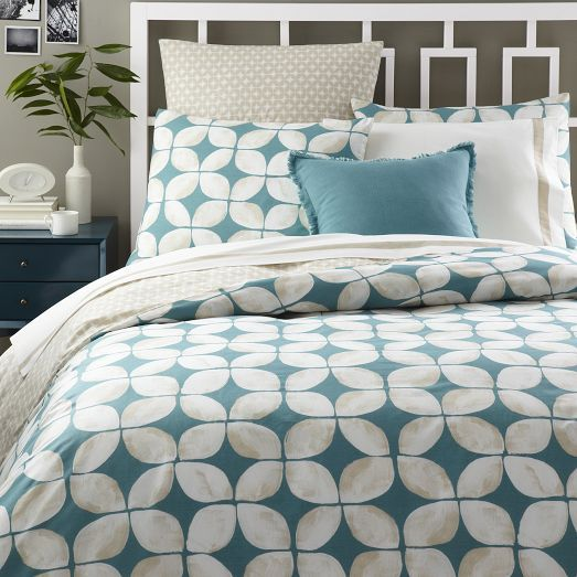 Leaf Motif Duvet Cover + Shams   Aquamarine