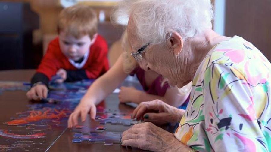 dziadkowie i dzieci