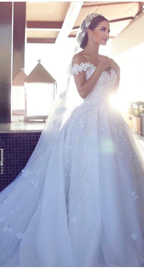 Such a beautiful wedding dress | wedding | Pinterest | Wedding dress ...
