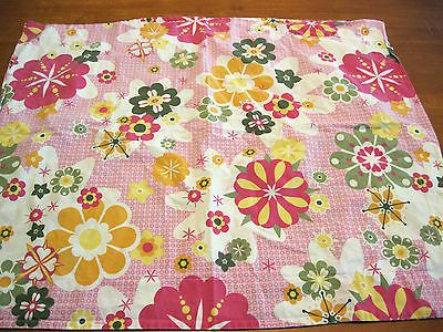 Pottery Barn PB Teen Retro Daisies Floral Design Cotton Standard Pillow Sham