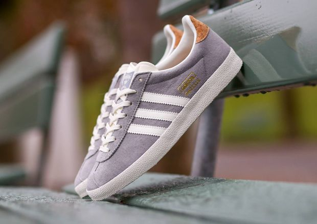 womens adidas gazelle og trainers grey