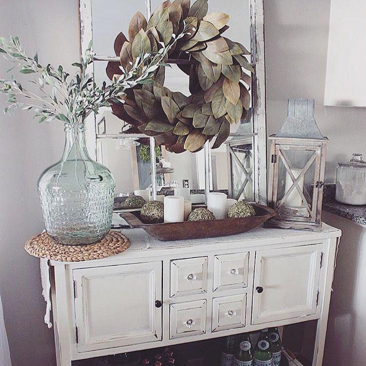 Mirror W/wreath Above Entryway Table
