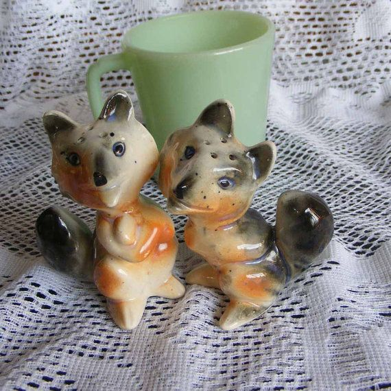 """Vintage Gray and Orange Fox Salt and Pepper Shakers ~ 3 1/2"""" Novelty Anthropomorphic Foxes Made in Japan Unused ~ Vintage Kitchenware ~ 4605"""